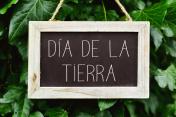 text dia de la tierra, earth day in spanish
