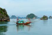 Vietnam- baie d'halong, bateau, pêche