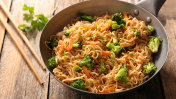 fried noodles with broccoli and carrot