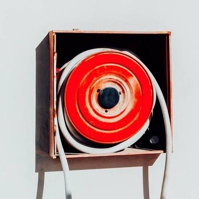 消防水龙带现代极小的艺术对象