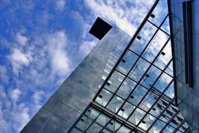 现代办公摩天大楼