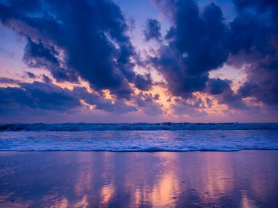 在苏梅岛海上日出
