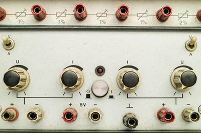 老电源和可调电阻