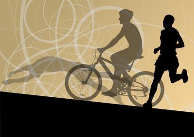 铁人三项赛马拉松活动青年男子游泳骑自行车和跑步