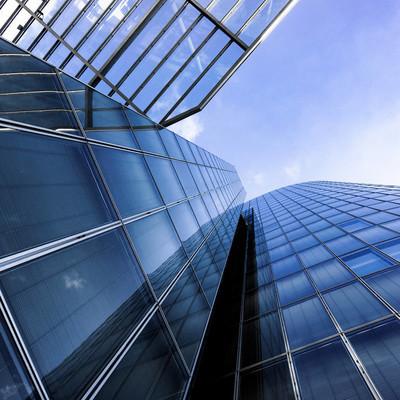 现代的建筑。摩天大楼。办公大楼。玻璃 silhou
