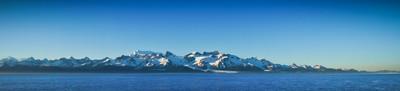 在美国阿拉斯加山脉的美丽全景