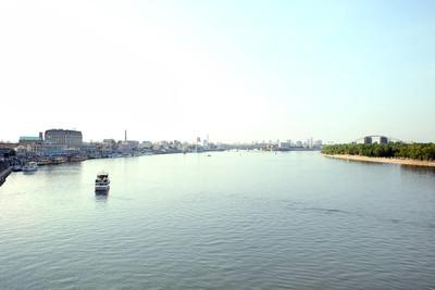 城市河流的视图