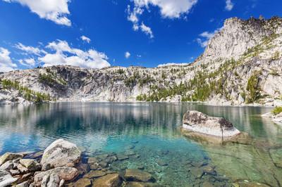 美丽的高山湖泊