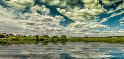 天空、 河流和 oblaka