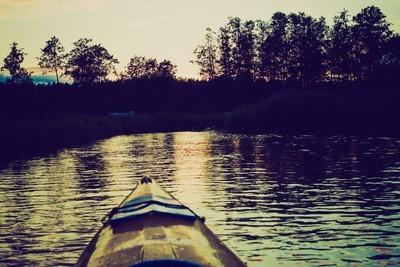皮划艇在波兰 Krutynia 河边