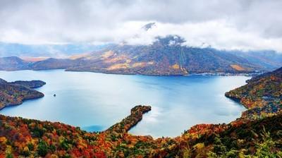 ・ 中禅寺湖
