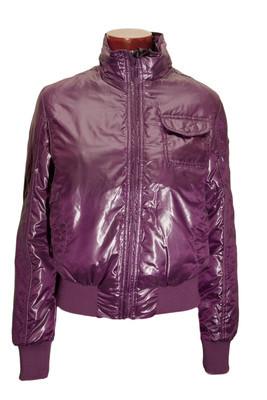 紫色女人的外套