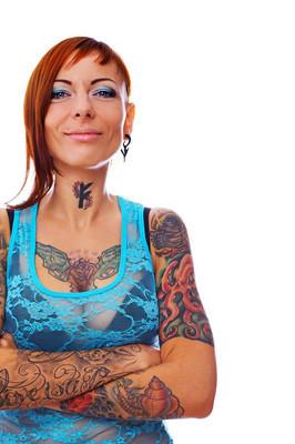 一个有纹身的女孩