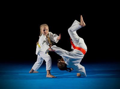 小女孩武术战士