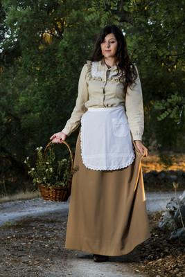 农村的古典女孩