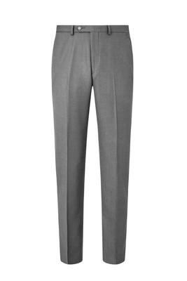 白色背景下的浅灰色正式男装长裤