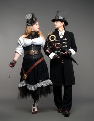 老式蒸汽朋克风格化的夫妇