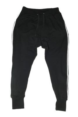 黑色运动长裤