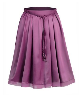 紫罗兰色花边裙子
