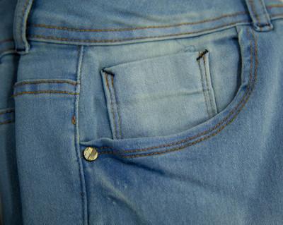 牛仔裤细节纹理纤维时尚