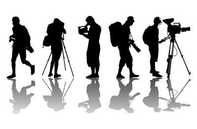 摄影记者和摄像机视频操作员矢量背景