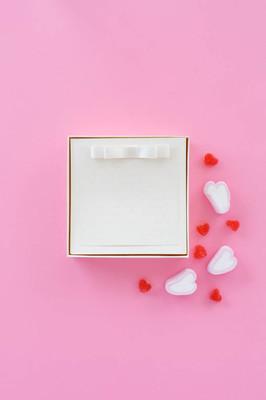 消息与的爱的宣言。在爱在纸上的样式设置。表达感情的爱
