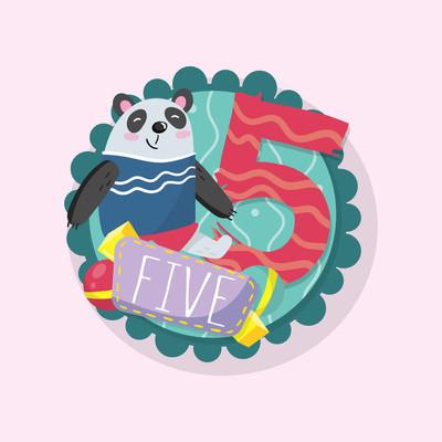 教育儿童的卡片与滑稽的熊猫和数字5五。对数学初学者很有好处。圆形会徽。明信片、教室墙壁海报或贴纸的平面矢量设计