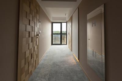 走廊与木门