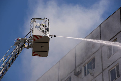 Fire extinguishing from fire tower with hydrant