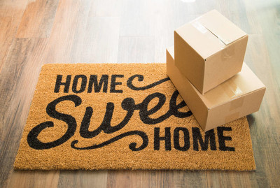 首页温馨家居欢迎垫木地板与装运箱