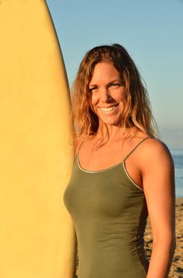 冲浪的女人