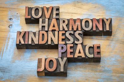 爱、 和谐、 友善、 和平和喜悦