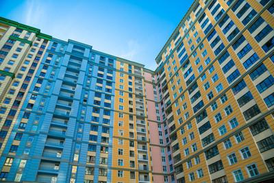 圣彼得堡, 俄罗斯。新的大厦和新的公寓的看法