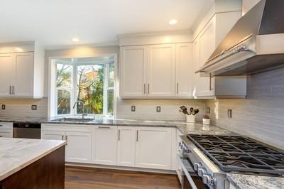 美丽的白色厨房设计