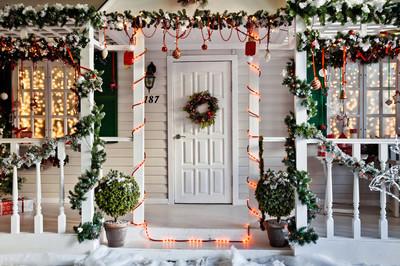圣诞节装饰的门廊