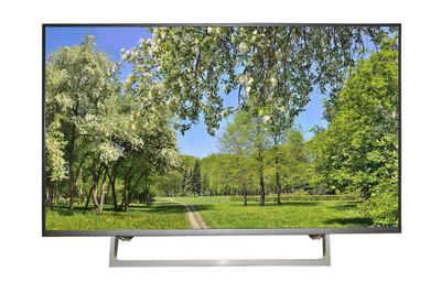 现代高清电视或显示器与春季景观在 sc