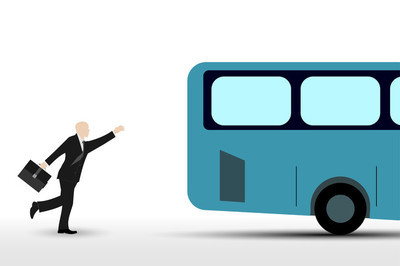 公交车运行的商人
