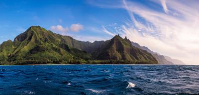 Na Pali 海岸从海洋,考艾岛的全景视图