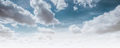 湛蓝的天空和洁白的云朵