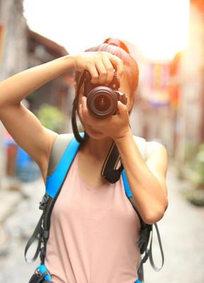女摄影师合影