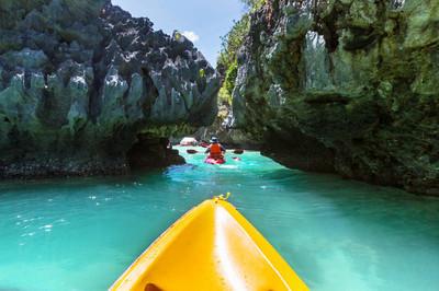 皮划艇在岛环礁湖