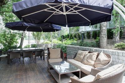 豪华欧式餐厅的室外视图