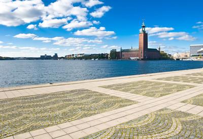 斯德哥尔摩市政厅和岸边