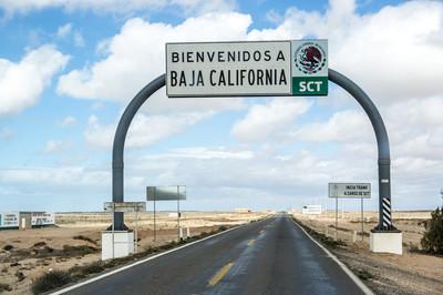 Welcome to Baja California sign