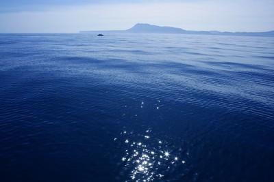 在西班牙,太阳全反射地中海