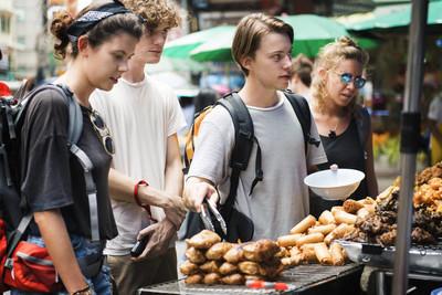 购买泰国食品的游客群体