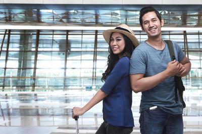 亚洲旅游夫妇去旅游