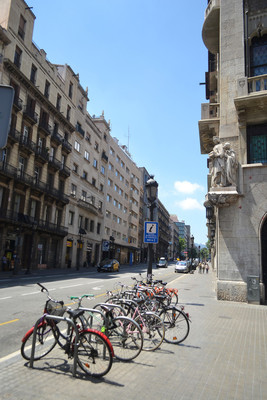 在巴塞罗那市中心街