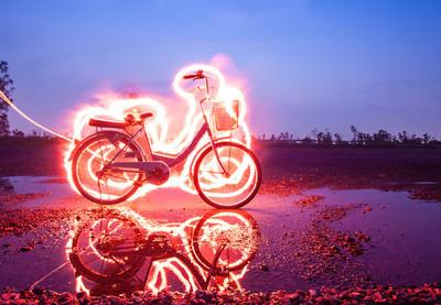 绘画的自行车灯