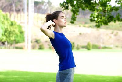 伸展运动户外运动女人